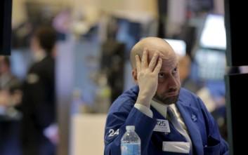 Βουτιά 9% για τη μετοχή της Deutsche Bank, κατρακυλά κάτω από τα 10 ευρώ