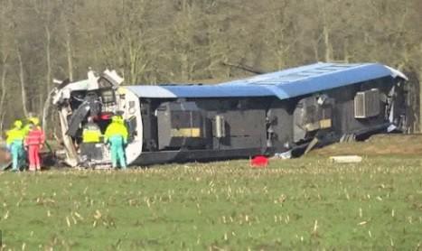Ένας νεκρός και δέκα τραυματίες από τον εκτροχιασμό τρένου στην Ολλανδία