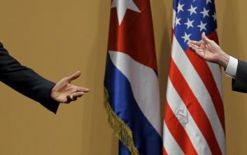 Συνάντηση με αντικαθεστωτικούς και μπέιζμπολ για τον Ομπάμα στην Κούβα