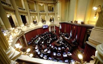 Η Αργεντινή επέβαλε έλεγχο συναλλάγματος για να καθησυχάσει τις αγορές