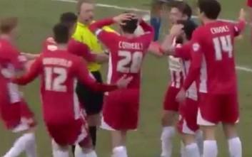 Διαιτητής σφύριξε λήξη ενώ… έμπαινε γκολ