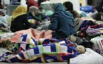 Οι πρόσφυγες ευχαριστούν τους Έλληνες για την ανθρωπιά τους
