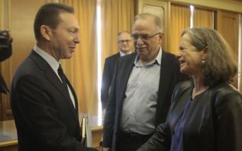 Με αντιπροσωπεία του Ευρωκοινοβουλίου συναντήθηκε ο Στουρνάρας