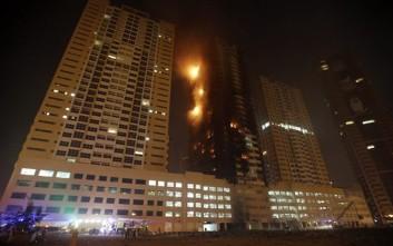 Στις φλόγες δύο ουρανοξύστες κοντά στο Ντουμπάι
