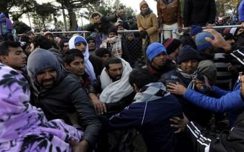 Τριάντα τραυματίες από σοβαρά επεισόδια στο κέντρο μεταναστών στη Σάμο