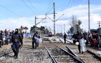 Κλειστή για 12η ημέρα η σιδηροδρομική γραμμή στην Ειδομένη