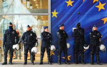 Ξέπλυμα μαύρου χρήματος: Εκατοντάδες συλλήψεις ανακοίνωσε η Europol