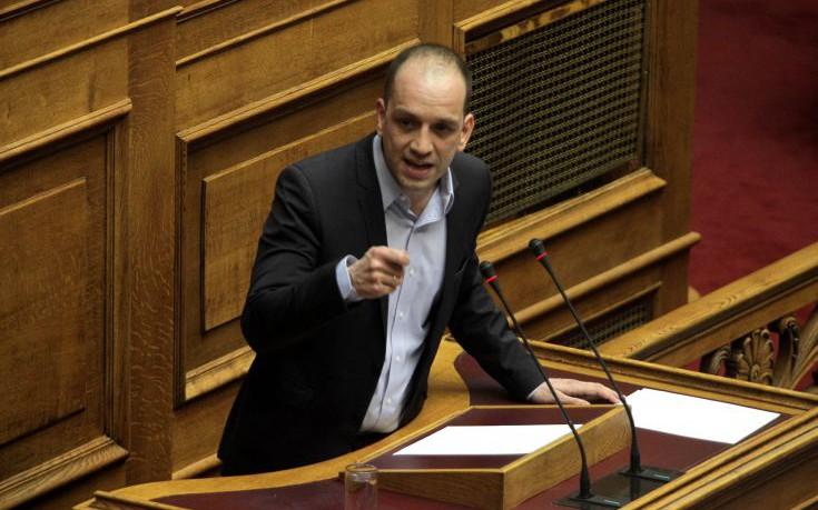 Βουλευτής του ΣΥΡΙΖΑ καταγγέλλει απειλές από ακροδεξιούς