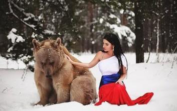 Το μοντέλο και η αρκούδα