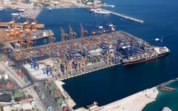 Ποιες επενδύσεις της Cosco προχωρούν υπό όρους στο λιμάνι του Πειραιά