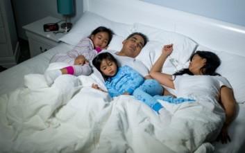 Τι πρέπει να προσέχετε όταν κοιμάστε μαζί με τα παιδιά σας
