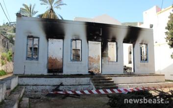 Φωτιά κατέστρεψε το κέντρο διανομής βοήθειας σε πρόσφυγες στο Καστελόριζο