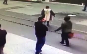 Βίντεο με τον βομβιστή της Κωνσταντινούπολης, δευτερόλεπτα πριν ανατιναχθεί
