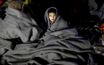 Πολύτιμες οι κουβέρτες στον καταυλισμό της Ειδομένης