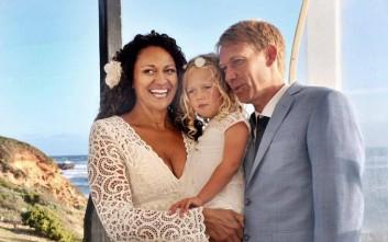 Παντρεύτηκε τον δότη σπέρματος του παιδιού της