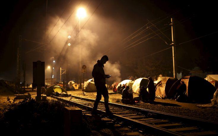 Ταραχές με πρόσφυγες και μετανάστες στην Ελλάδα φοβάται ο ΟΗΕ