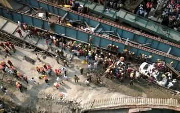 Έφτασαν τους 14 οι νεκροί από την κατάρρευση γέφυρας στην Ινδία