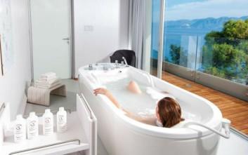 Μπάνια ξενοδοχείων με συγκλονιστική θέα στην Ελλάδα