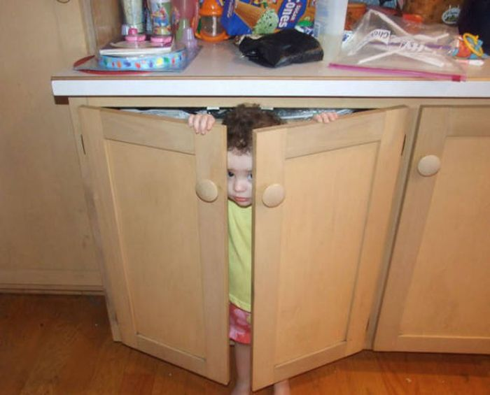 kids_hide_and_seek_35