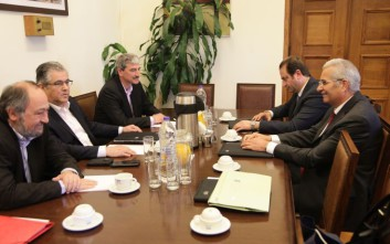 Το προσφυγικό στην ατζέντα της συνάντησης Κουτσούμπα – Κυπριανού