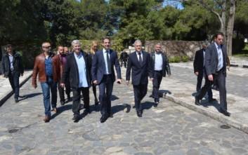 Ο Μητσοτάκης «ξεγέλασε» τους παρευρισκομένους στο μνημόσυνο του Βενιζέλου