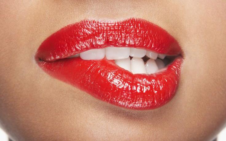 Λόγοι που επηρεάζουν το χρώμα των δοντιών σας και πιθανόν δεν τους γνωρίζετε