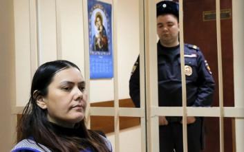 Προφυλακίστηκε η νταντά που αποκεφάλισε το κοριτσάκι στη Ρωσία