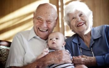 Γιατί ο παππούς και η γιαγιά παίζουν σημαντικό ρόλο στο μεγάλωμα των παιδιών