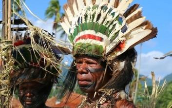 Ζήστε την καθημερινότητα της φυλής Mailulu στην Παπούα Νέα Γουινέα