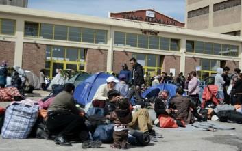 Τους 5.800 φτάνουν οι πρόσφυγες στον Πειραιά