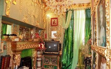 Πωλητήριο στο «χρυσό» διαμέρισμα της Ρωσίας