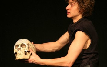 Έκλεψαν το κρανίο του Σαίξπηρ από τον τάφο του