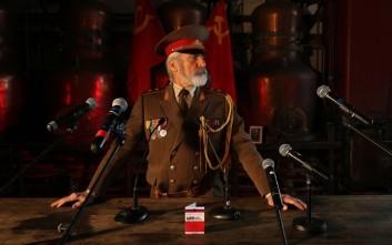 Τα πάρτι στα μυστικά εργοστάσια της Σοβιετικής Ένωσης στο Παρίσι