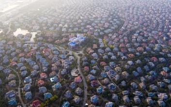Εικόνες από προάστια της πολυπληθέστερης χώρας του κόσμου