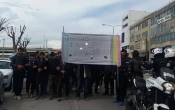 Πορεία προσφύγων από τα Διαβατά στο κέντρο της Θεσσαλονίκης
