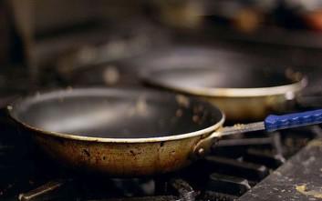 Το κόλπο για να μην πετάγεται το λάδι στο τηγάνισμα