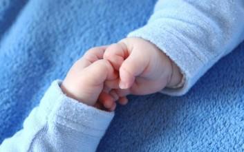 Μωρά λίγων μηνών βρέθηκαν εγκαταλελειμμένα σε διαμέρισμα στο Περιστέρι