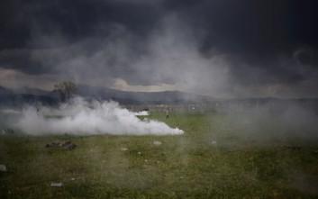 Πρόσφυγες στην Ειδομένη περιγράφουν πώς βίωσαν τη χθεσινή ένταση