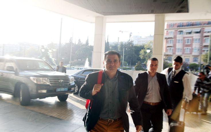 Τα πρωτογενή πλεονάσματα στη συνάντηση Τσακαλώτου, Χουλιαράκη με τους θεσμούς