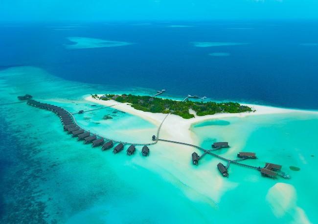 Cocoa Island Hotel 1
