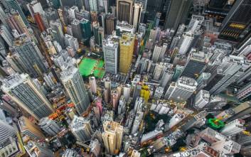 Το πυκνοκατοικημένο και πολύβουο Χονγκ Κονγκ από drone