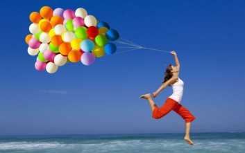 Δέκα πράγματα που κάνουν οι άνθρωποι και αντλούν την ευτυχία από μέσα τους