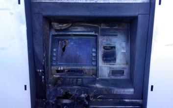 Άγνωστοι έβαλαν φωτιά σε ΑΤΜ τράπεζας στα Ιωάννινα