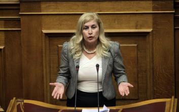 Η πρωτοφανής πολιτική ατάκα της Αυλωνίτου: Ο Μητσοτάκης είπε πα...ριά