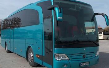 Λύθηκε το χειρόφρενο λεωφορείου με μαθητές!