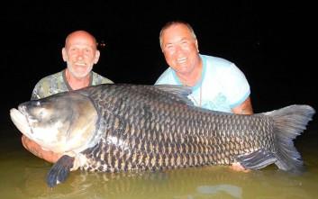 Ο άνδρας που έκανε την τέφρα του δόλωμα για να πιάσουν οι φίλοι του γιγάντιο ψάρι