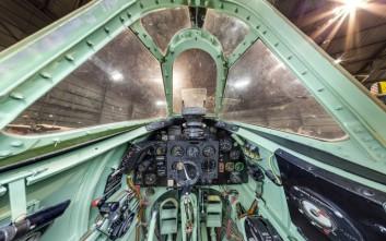Μπείτε στο πιλοτήριο πολεμικών αεροσκαφών με ένα «κλικ»
