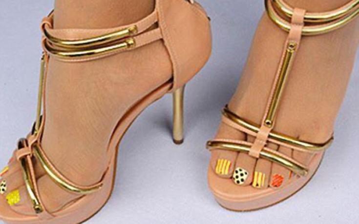 Το απόλυτο «γκάτζετ» για τα γυναικεία πόδια