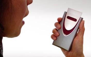Μικροσκοπικός ανιχνευτής αλκοόλ από τις Hitachi και Honda