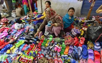Η ινδική αγορά με ηλικία πέντε αιώνων και πωλήτριες αποκλειστικά γυναίκες